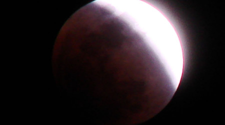 lunar-eclipse-closeup